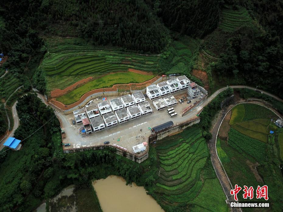 广西那坡:散居瑶族同胞搬出深山入新房图片