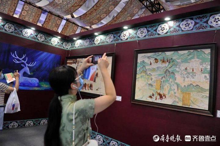 博览会上的一处静地,俄罗斯画家的敦煌油画带你感受壮观莫高窟