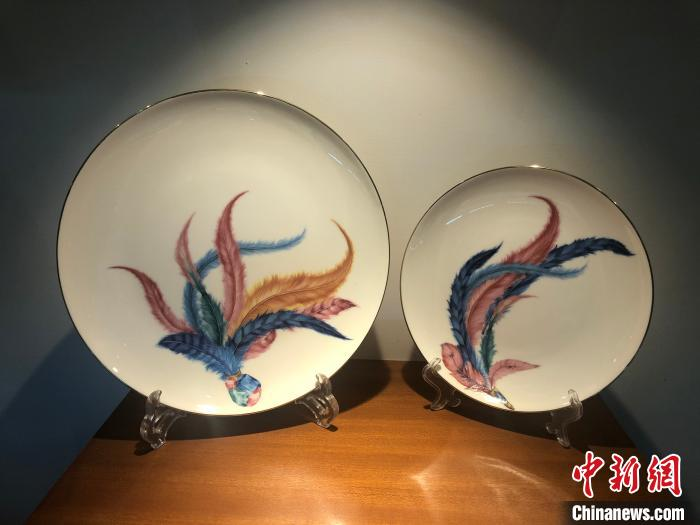 截至目前,朔州市有陶瓷企业108家,生产线141条,日用瓷生产能力达35亿件,建筑瓷生产能力达7200万平方米。 李庭耀 摄