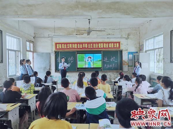 息县税务局:税收宣传小课堂 播撒税法金种子