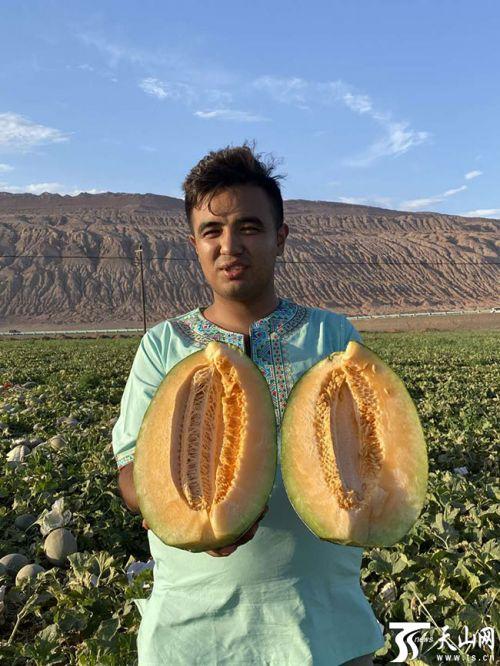 【爱家乡 爱新疆】吐鲁番小伙返乡创业:直播带货为家乡发展尽力
