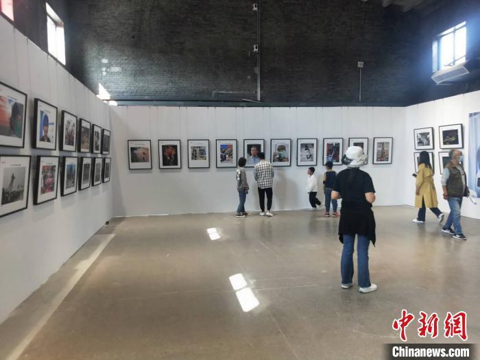 """中国摄影人的一次聚焦:用镜头记录全民抗""""疫"""""""