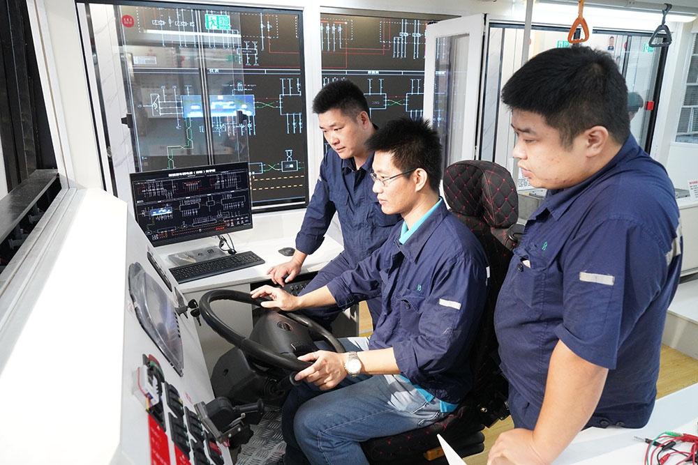 上海公交有了首台新能源车故障维修系统,可解决85%的故障