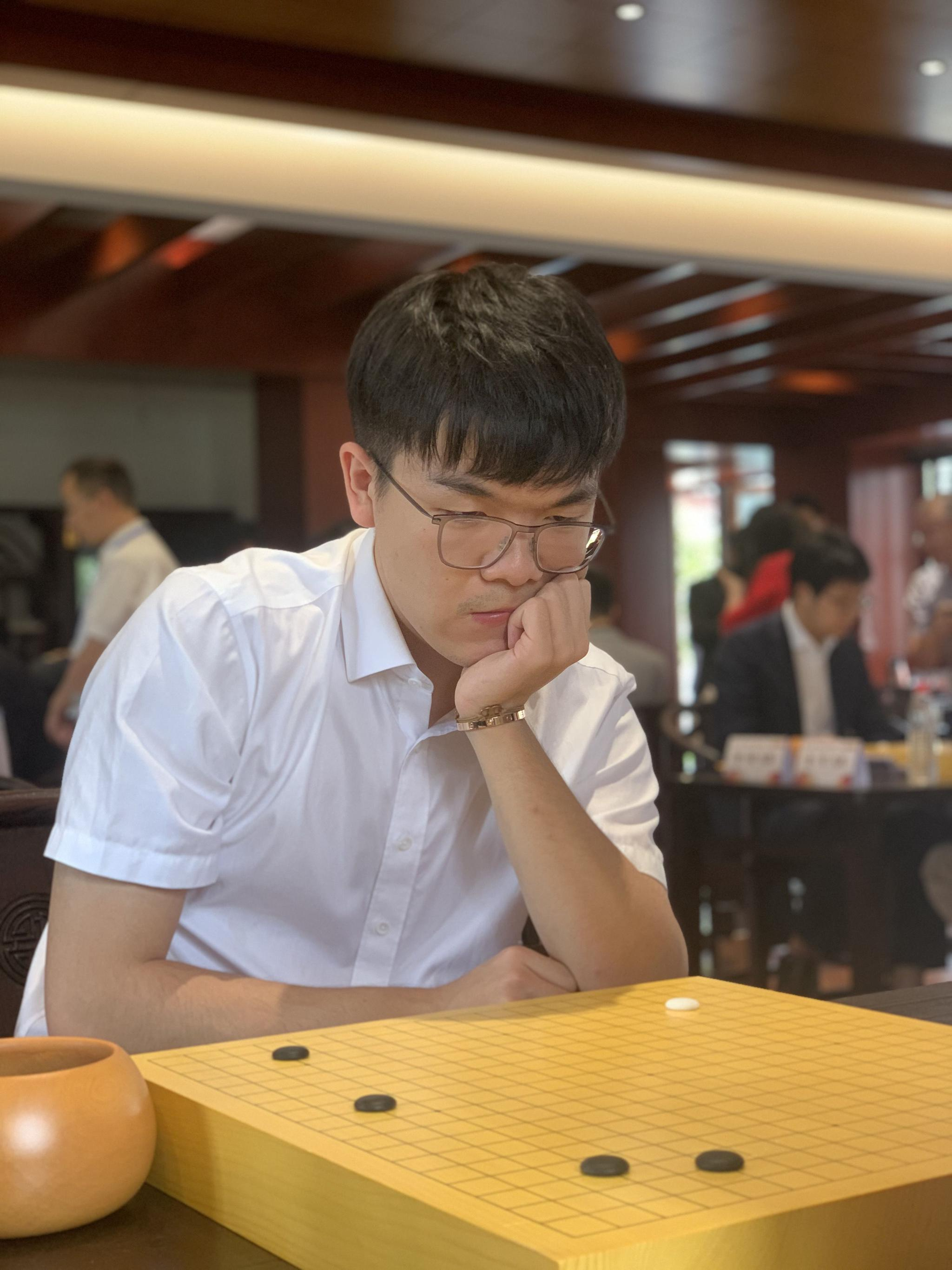 电视围棋快棋赛,柯洁等5位世界冠军晋级8强图片