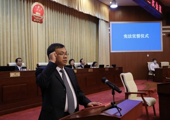 王合生当选为海淀区副区长、代理区长