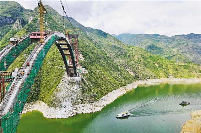巫山大宁河双线大桥进入吊装施工阶段