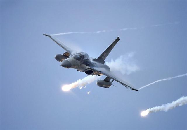 台军模拟解放军战机空袭图片
