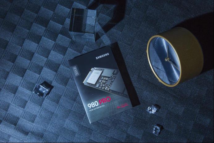 """""""天选之子""""消费级SSD代表新作 三星固态硬盘980 PRO深度评测"""