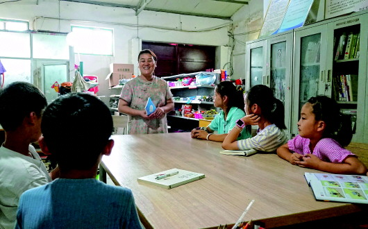 在田埂守望书香:农家女12年乡村阅读推广路