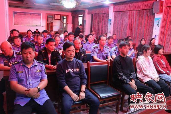西平县城市管理局开展金秋助学活动
