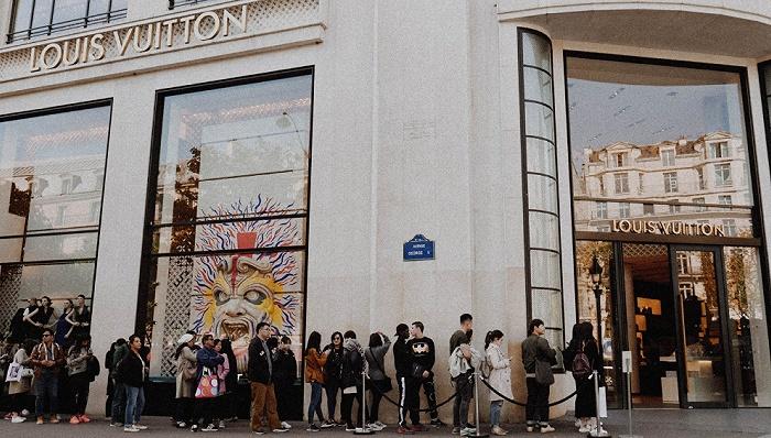 中国市场被全球奢侈品行业寄予厚望 消费需求今年或大涨30%