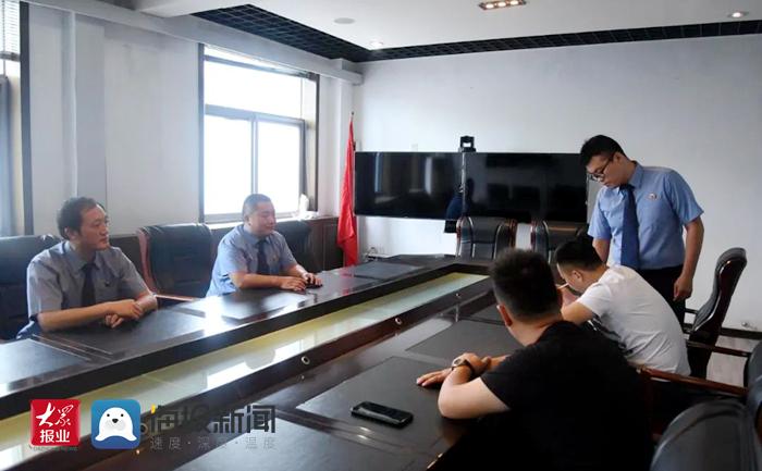 """解决薪""""愁"""":成武检察官帮助32名农民工要回血汗钱13万元"""