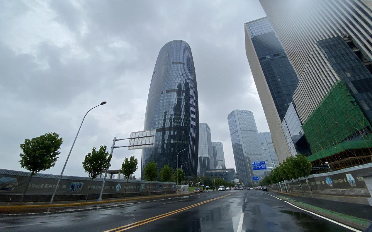 丽泽SOHO外,正在建立中的丽泽金融商务区。丰台区委宣传部供图