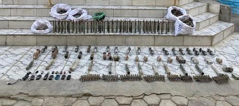 伊拉克缴获极端组织大量爆炸物,包括25颗迫击炮弹、若干C4炸药