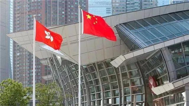 民调显示:对于这件事香港四成公务员不同意图片