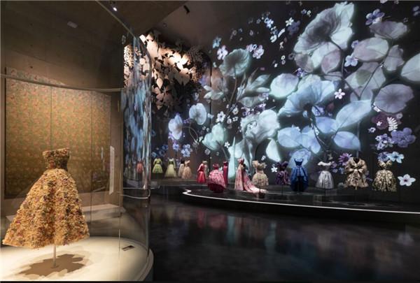 时尚品牌将展览开进艺术殿堂,能带来跨界的重塑吗