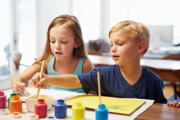 小儿抽动症的症状表现有哪些?