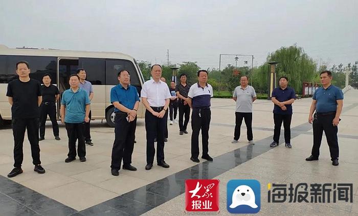 成武县人大常委会视察全县城市管理工作