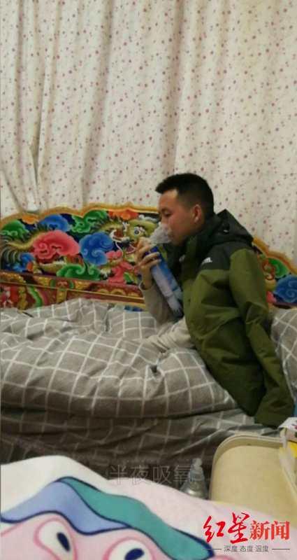 成都温江老师去色达支教1年 这所高原学校第一次有了专职美术老师