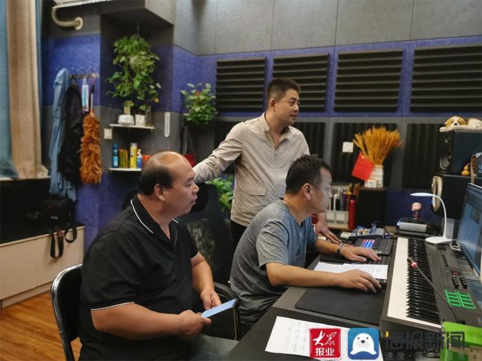 省派服务队队员刘俊韬再为菏泽奉献两首原创歌曲