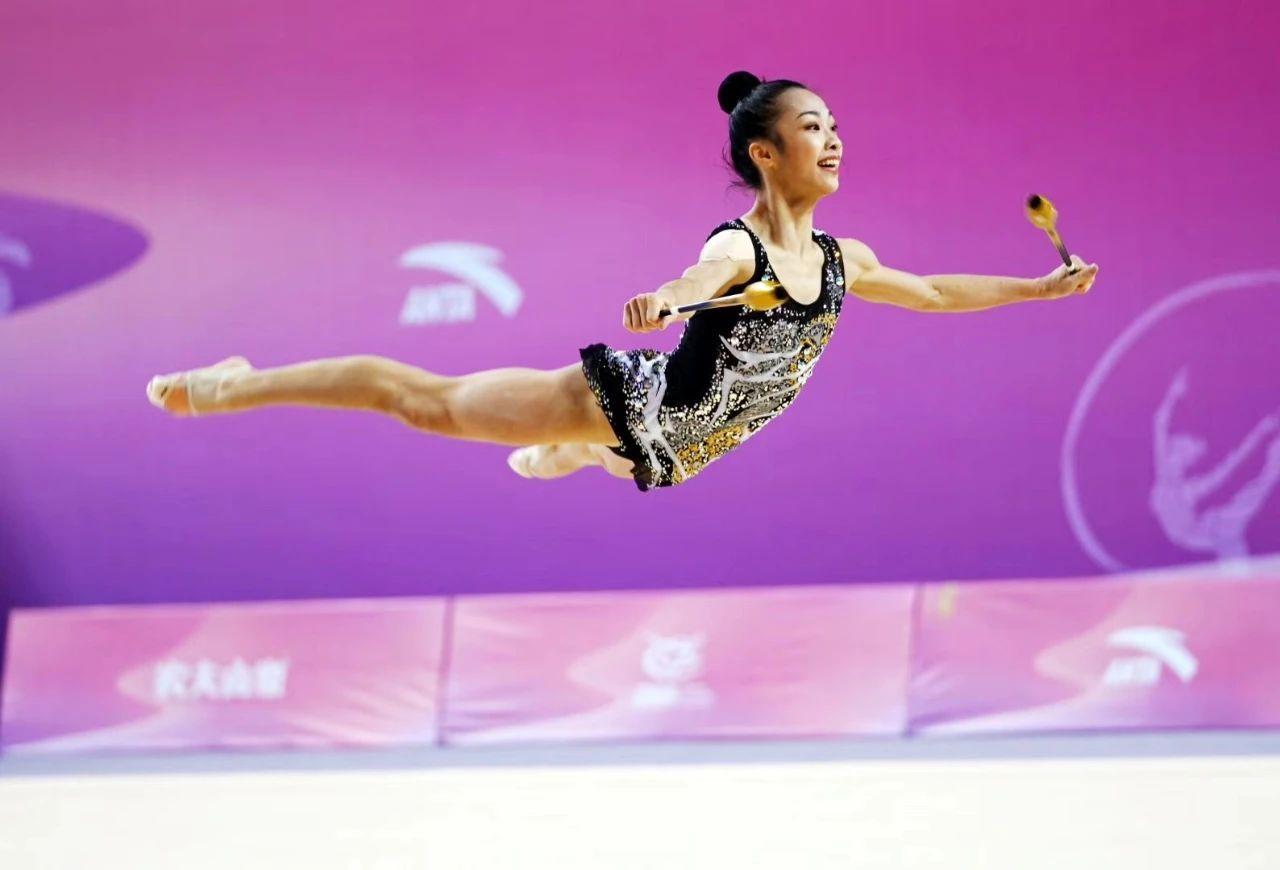 全国艺术体操锦标赛,深圳队王凌云摘个人全能铜牌