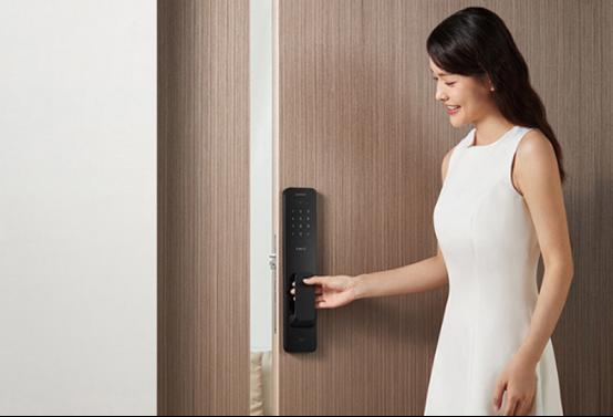 小米全自动智能门锁评测:1秒开锁支持智能联动,真香!