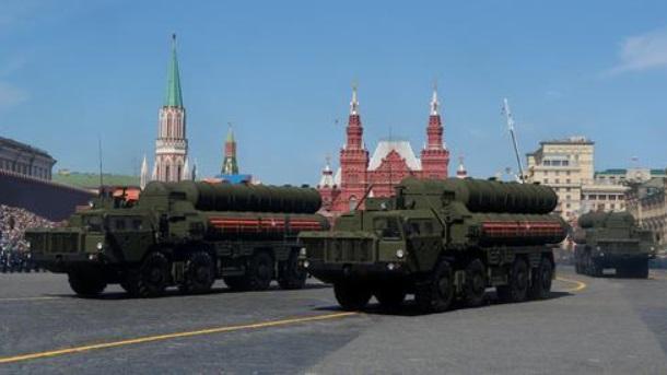 俄国防部接收今年第三批团级S-400导弹系统