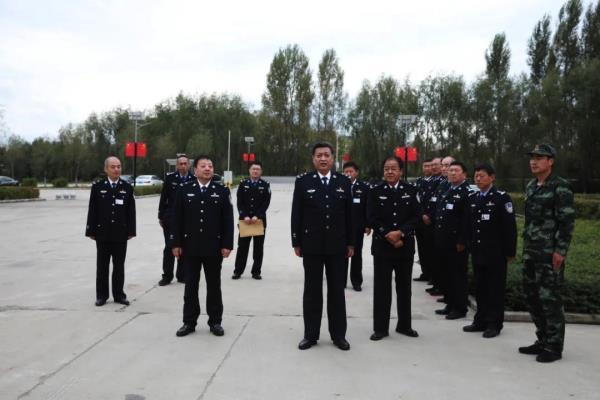 黑龙江监狱管理局谭遵化局长去双鸭山监