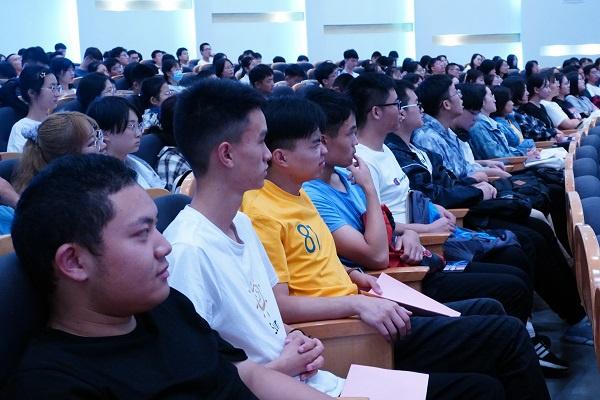 棉花曾是上海市花?东华大学的这节历史课上掌声笑声不断