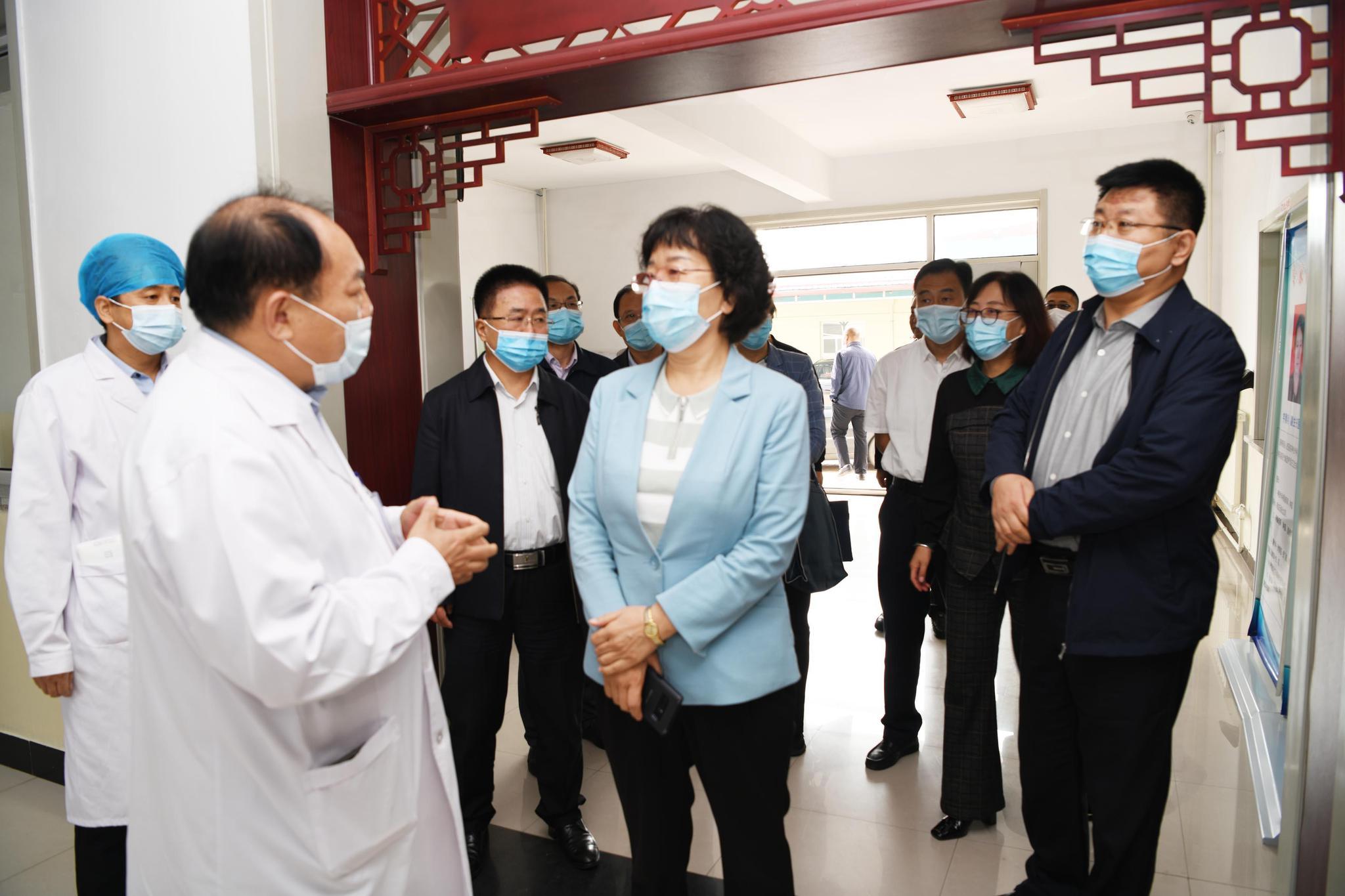 晋中市副市长辛琰在寿阳医疗集团调研督导