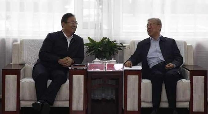 省高院党组书记、院长孙洪山在吕梁调研