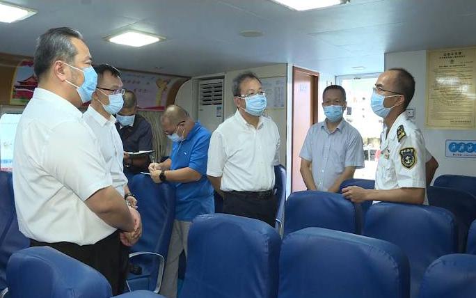 刘毅检查节前安全生产和食品安全工作时要求:强化督导检查 织牢织密防护网
