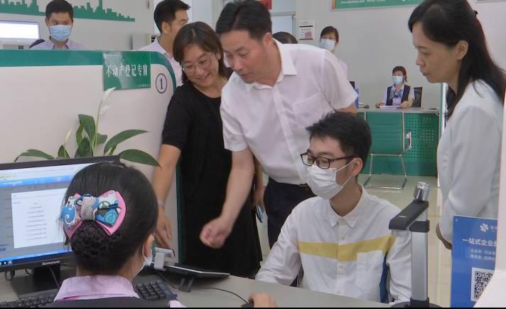 杨鹏飞带队到我市调研政务服务数据管理工作