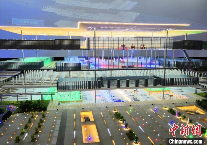 北京丰台火车站迎建设新高峰 计划明年底通车图片