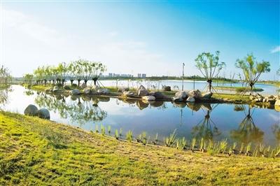 """全省示范湖创建现场会召开 各地市""""河长""""组团观摩西安市河湖治理成效"""