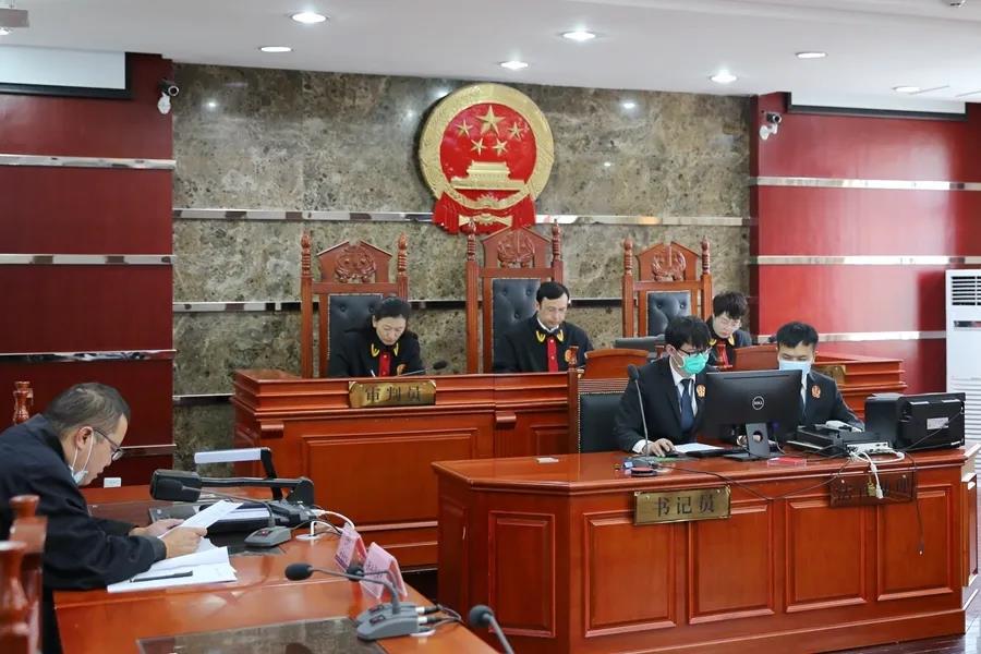 云南迪庆法院院长办案做表率 调解优先终止纷