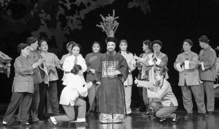 新编廉政晋剧《打虎记》在晋中市工人文化宫上演