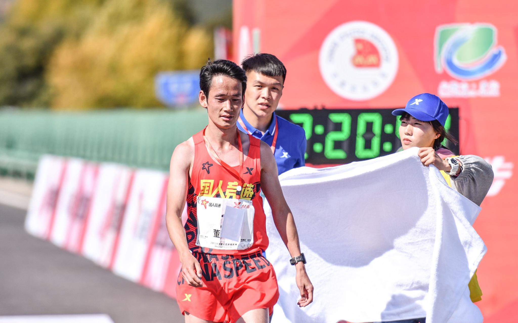 多伦马拉松精英赛爆冷,董国建第5名何引丽亚军图片