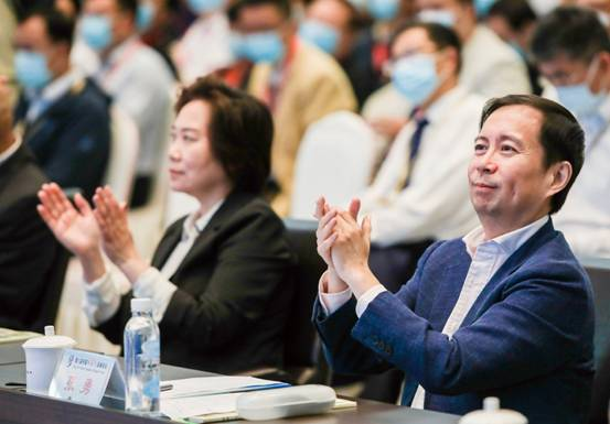 阿里董事会主席张勇:抓紧数字化的金钥匙 让农村因阿里而不同图片