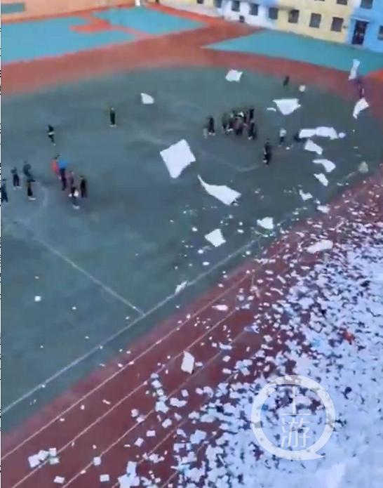 辽宁阜新两所民办学校倒闭:学校黄了,校长跑了