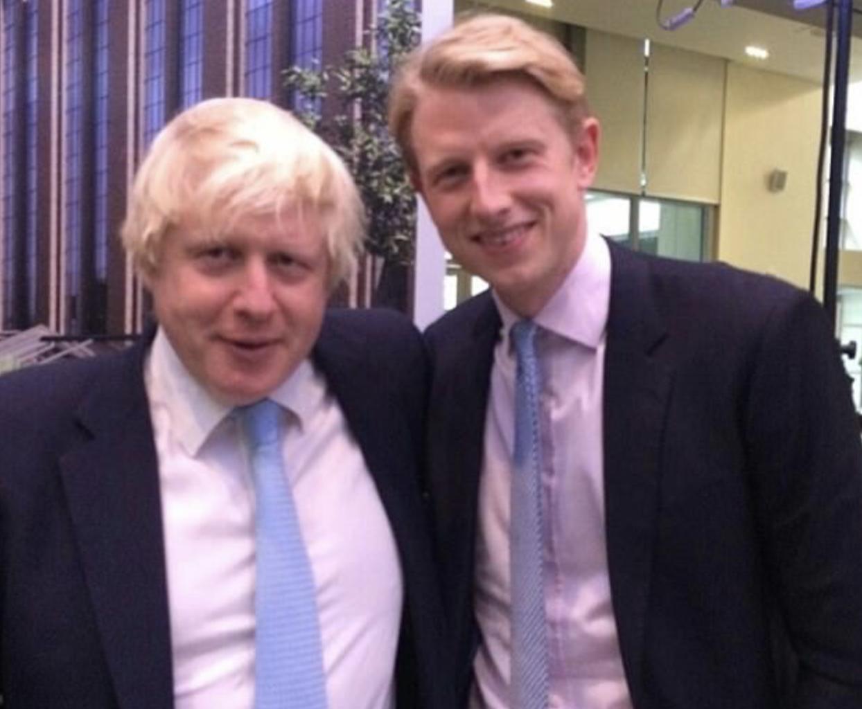 以权谋私?英国私人新冠检测公司雇佣首相弟弟,希望他能打开大门