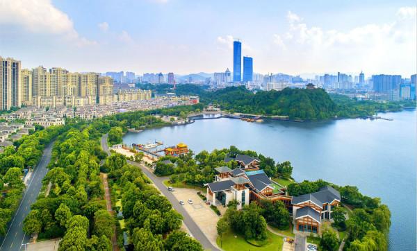 第六届长三角慢生活旅游峰会在镇江开幕