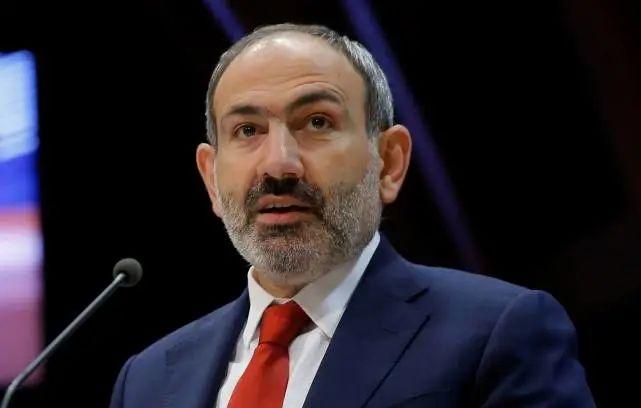 又打起来了!亚美尼亚公布击毁阿塞拜疆坦克视频