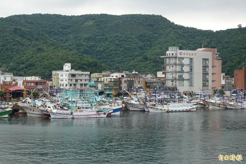 突发!台渔船在钓鱼岛海域被日本公务船冲撞,台舰行动图片