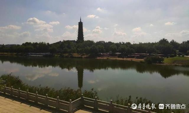 无棣古城与大觉寺的海丰塔相映生辉