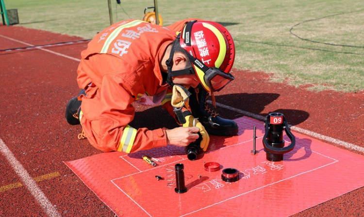 链条损坏、火花塞无法打火怎么办?上海消防开展灭火救援装备业务比武竞赛