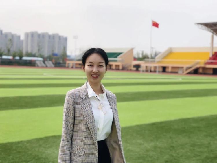 """济南外国语学校90后教师刘雪姣:最好的""""给予""""是陪伴"""