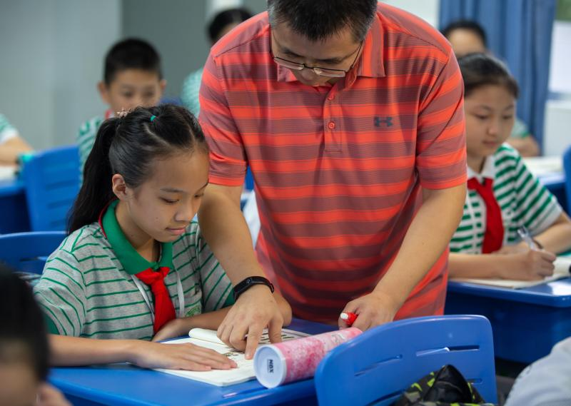 民办超额摇号后引出新课题,不同生源如何因材施教,把所有学生教好才是真本事