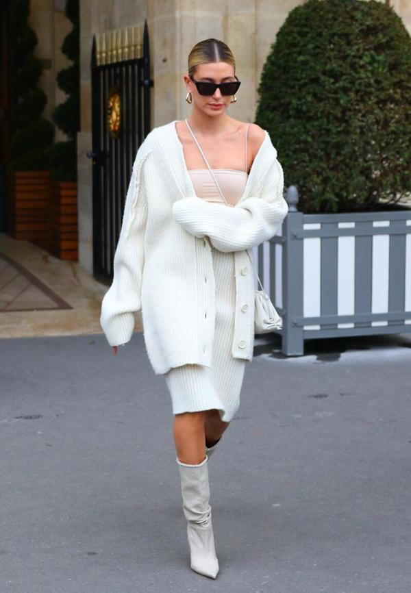 """早秋穿""""针织长开衫"""",建议按照这3点挑选,显瘦时髦又高级"""