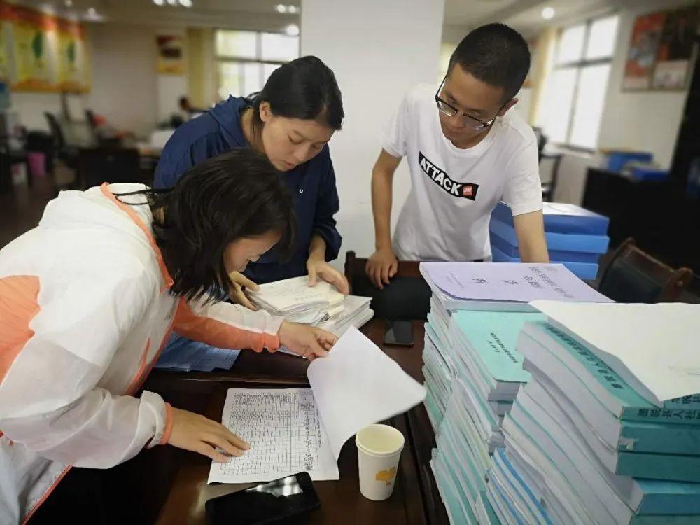 """林芝市协助中国农业科学院完成了林芝市3个县的""""三区三州""""深度地区脱贫攻坚 实施方案实施情况评估工作"""